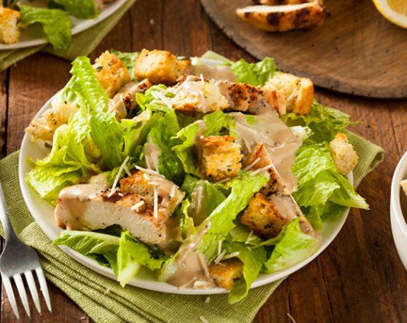 Salade de poulet Ave César display image